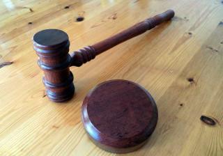 EUA: Atacar casal gay com água a ferver valeu-lhe 40 anos de cadeia