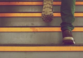 Esqueça o peso ou o treino, este é o grande motivo para usar as escadas