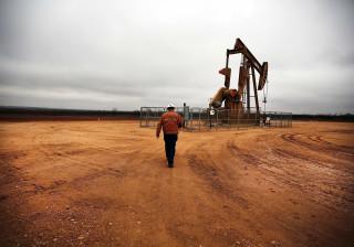 Petróleo volta a subir com aproximação de acordo na OPEP