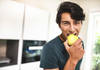 Sente formigueiro na língua ao comer fruta ou vegetais? Pode sofrer disto