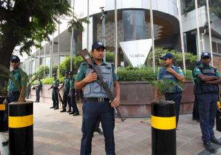 Polícia do Bangladesh abate três extremistas islâmicos