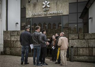 INE estima descida do desemprego para 9,8% em março