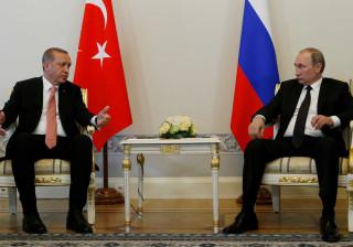 """Rússia """"profundamente preocupada"""" com intervenção turca na Síria"""