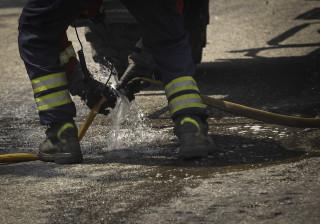 Incêndio destruiu cobertura de edifício na Buraca