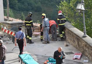 """Sismo: """"Precisamos de tudo"""". Proteção civil italiana pede mais material"""