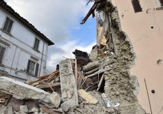 Pelo menos 39 sismos e numerosas réplicas em Itália