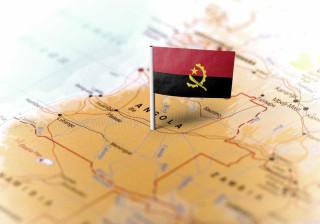 Divisas nos bancos angolanos descem 20%