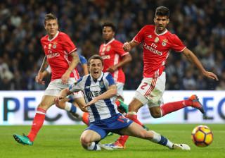 Benfica-FC Porto: Há até quem alugue estacionamento junto da Luz