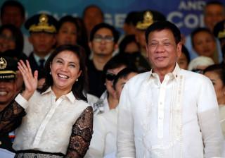 """""""Avisada de um complot"""", vice-presidente das Filipinas demite-se"""