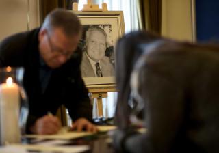 Assembleia Municipal marcada por minuto de silêncio em memória de Soares