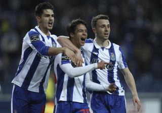 Degrau a degrau, deslize a deslize... Chegará o FC Porto ao topo?