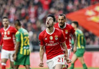 [4-0] Benfica goleia Tondela na Luz e não cede à pressão portista