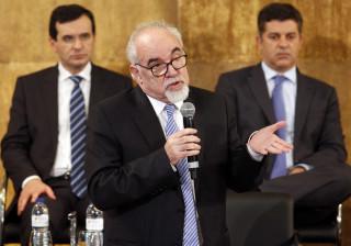 Mais de 48 anos de descontos darão direito a reforma sem penalização