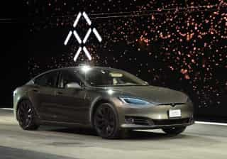 Tesla volta a perder dinheiro, mas há razões para ter esperança