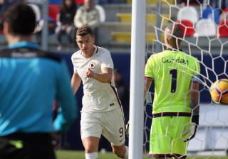 Roma vence Torino e mantém segundo lugar a sete pontos da líder Juventus