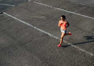 Quantos mais quilómetros corridos, maior é a força muscular