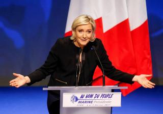 Le Pen abandona presidência do partido após eleições
