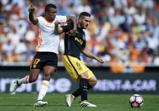Valência vence e tem lufada de ar fresco na La Liga