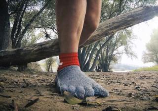 Meias mais fortes do que metal poderão substituir os seus sapatos