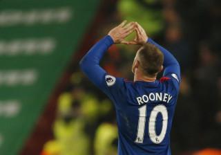 Rooney perto de ultrapassar Tévez no lugar de mais bem pago do mundo