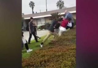 Polícia fora de serviço usa arma em discussão com grupo de jovens