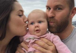 Seis semanas após dar à luz, descobre que está grávida... de gémeos