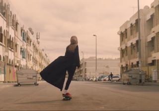 Nike 'choca' sociedade árabe com campanha publicitária