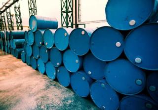 Receita angolana com a venda de petróleo cai 30% em fevereiro