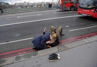 Sobe para cinco número de mortos de ataque em Londres. Há 40 feridos