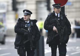 Polícia britânica fez várias detenções após raide numa casa em Birmingham