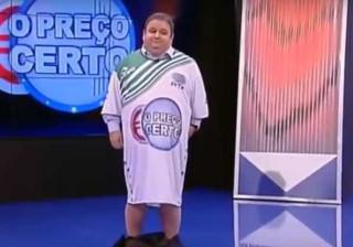 Fernando Mendes despe as calças em direto