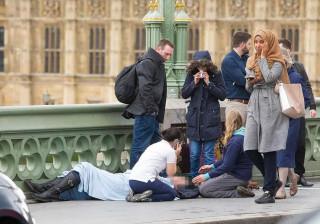 Muçulmana de foto do ataque de Londres fala pela primeira vez