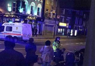Londres: Carro subiu passeio e foi contra peões. Pelo menos três feridos