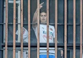 James Rodriguez faz gesto obsceno e provoca onda de contestação