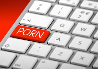 Homens que assistem a muita pornografia são menos satisfeitos na relação