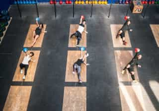 CrossFit traz benefícios… mas vamos com calma