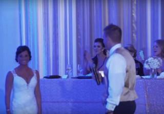 Surpreende noiva durante casamento.