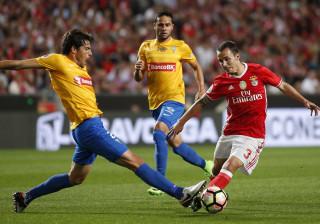 [0-0] Benfica-Estoril: Rola a bola na Luz