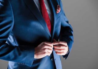 É por isto que nunca se aperta o último botão do blazer masculino