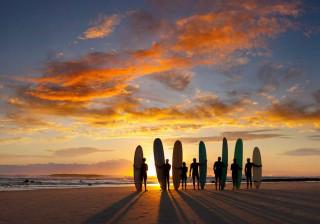 Sustentável e inspirado no mar. Nasce um novo hotel para surfistas