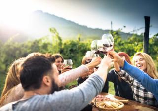 Wine Break. A pausa com um copo de vinho que chama pelos amigos