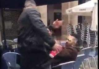 A lamentável agressão de um adepto do Betis a um rival do Bilbao