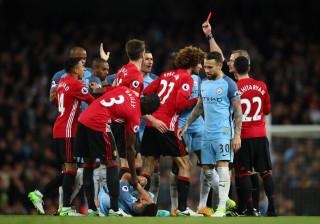 Premier League: Siga em direto os resultados e marcadores da 35.ª jornada