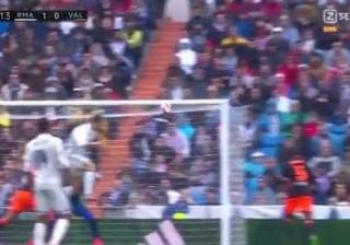 Cabeceamento imparável de CR7 abre o marcador frente ao Valencia