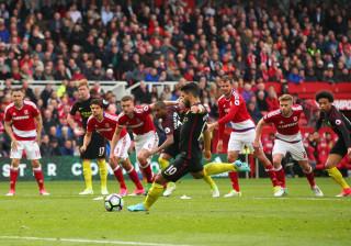 Manchester City escorrega e deixa Mourinho a sonhar