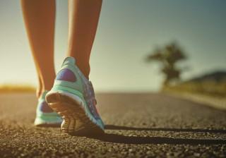 A forma como caminha pode vir a ser mais importante do que pensa