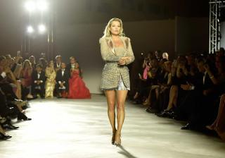 'Que confusão': Mulher tenta agredir Kate Moss durante festa em Cannes