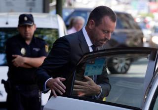 Sandro Rosell, ex-presidente do Barcelona, detido pela polícia