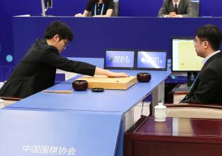 Robot da Google derrota campeão chinês de jogo de tabuleiro Go