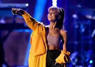 Mãe de Ariana Grande levou crianças para o backstage para as proteger